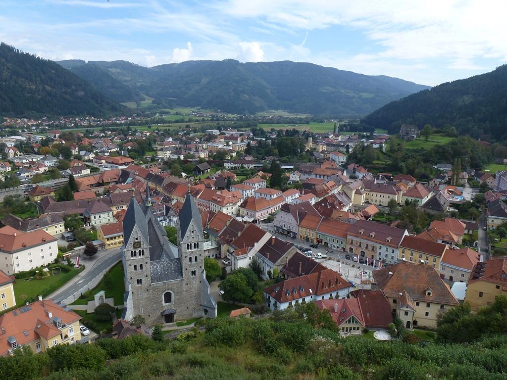 Pogled iz gradu na Breže